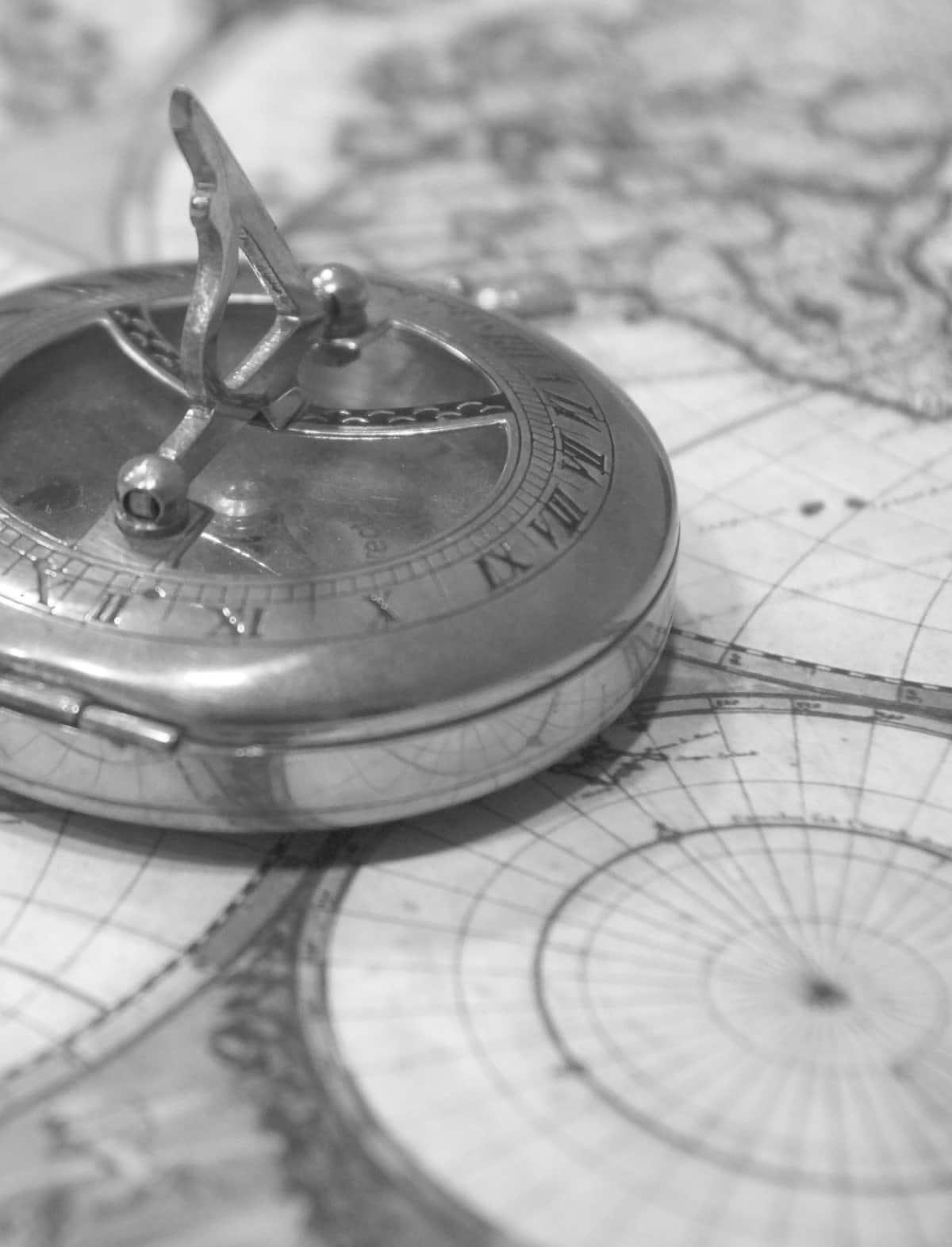 Kompass schwarz-weiß